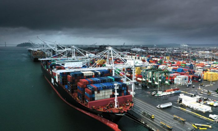 US Trade Deficit Hits 8-Month Low as Gap With China Shrinks