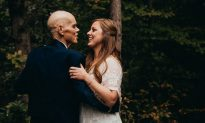 Bride-to-Be Cancels Shoot With Fiancé to Take Photos With Terminally Ill Dad in Childhood Home