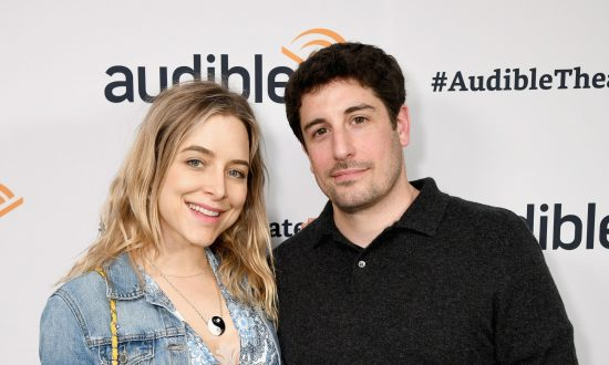 Actress Jenny Mollen Says She Dropped Son on Head, Fracturing His Skull