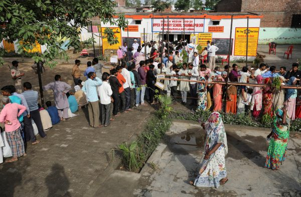 voters line up in India