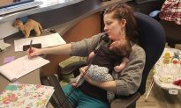 Mom Returns From 3-Month Maternity Leave With Baby in Tow, and Her Coworkers Love It