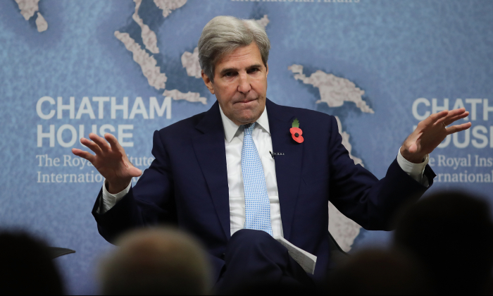 Former Secretary of State John Kerry speaks at Chatham House in London on Nov. 6, 2017. Kerry was speaking during an event titled The Iran Nuclear Deal: Reflections on the First Two Years. (Dan Kitwood/Getty Images)