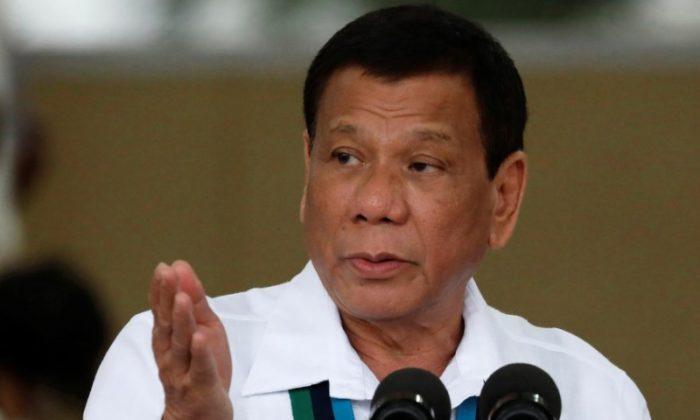 Philippines President Rodrigo Duterte in Quezon City, Philippines, on Oct. 26, 2017. Duterte is threatening to sail to Canada soon to return tonnes of trash. (Reuters/Dondi Tawatao)