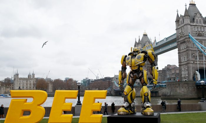 A photocall in support of Paramount Pictures' film 'Bumblebee' at Tower Bridge, Potters Field Park in London, United Kingdom on Dec. 5, 2018. (John Phillips/Getty Images for Paramount Pictures)