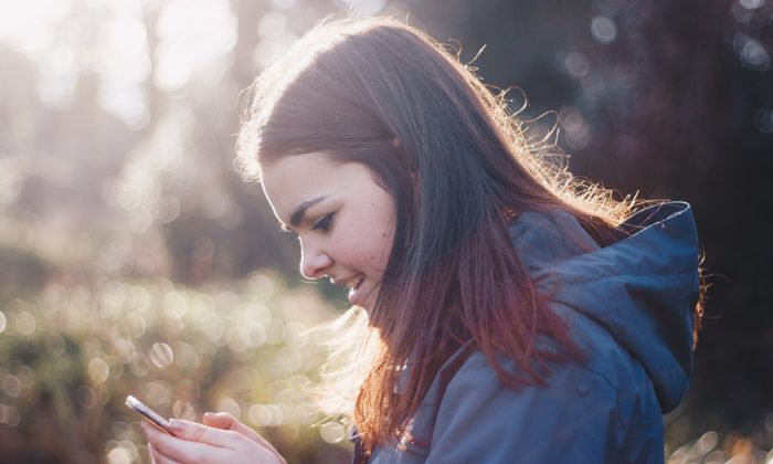 Our phones absorb the time and attention we need for our physical health, but researchers hope they can also be used to help us understand what it will take to get us active. (Luke Porter/Unsplash)