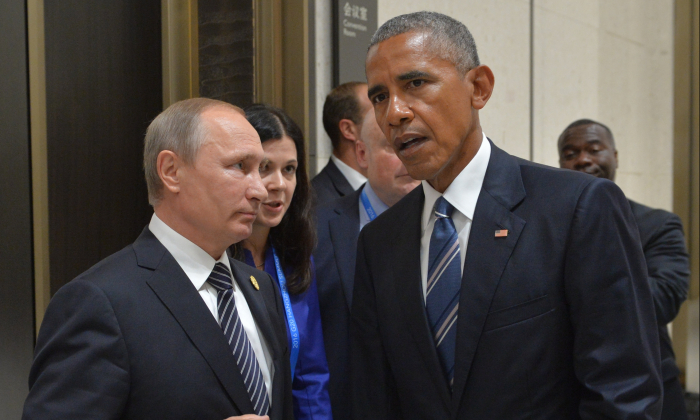 Russian President Vladimir Putin (L) meets with his US counterpart Barack Obama on the sidelines of the G20 Leaders Summit in Hangzhou on September 5, 2016. (Alexei Druzhinin/AFP/Getty Images)