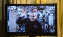 Saint-Jacques to Perform 'Cosmic Catch' of SpaceX Craft Using Canadarm 2