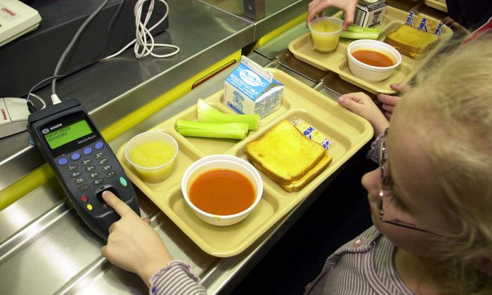 School Accused of 'Lunch-Shaming' 6-Year-Old With Peanut Butter and Jelly Sandwich
