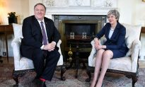 No Time to Go 'Wobbly': Pompeo Scolds Britain Over China and Huawei