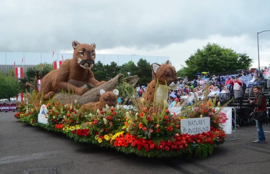 portland rose festival lion float