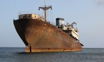 US Ship Finds Mysterious 'GHOST SHIP,' Whole Crew Dead. What Happens Next Is Shocking