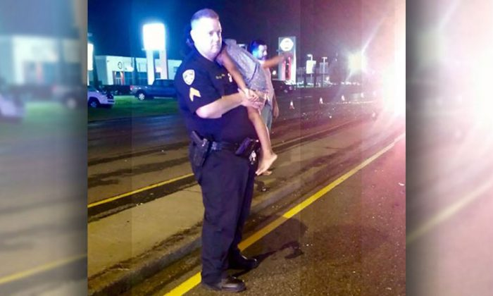 Louisiana Cop's Seen Holding a Toddler at Highway, but the Story Doesn't End Here