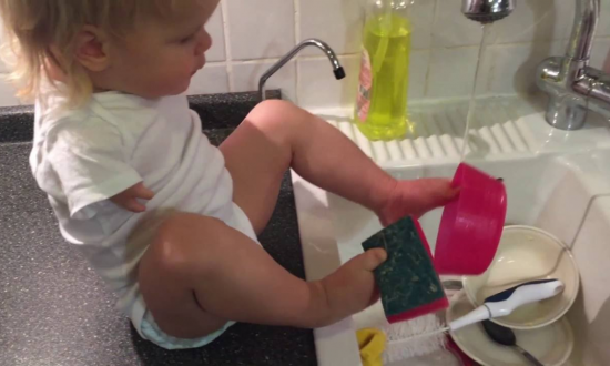 Baby Girl Born Without Arms Leaves the Internet in Awe With Her Amazing Life Skills
