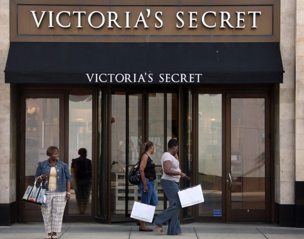 Shoppers Victoria's Secret