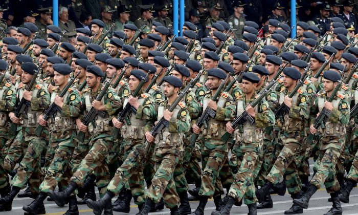 Iranian soldiers march during a military parade Tehran, on April 18, 2019 (-/AFP/Getty Images)