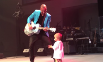 Video: Dancing Baby Steals His Father's Show