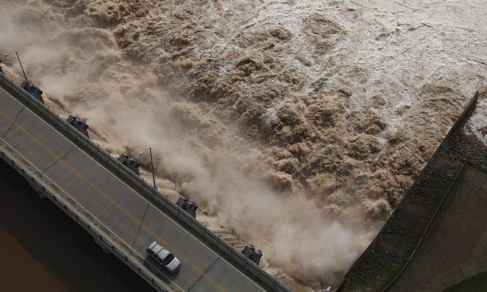 Flooding Leads to Oklahoma and Arkansas Evacuations
