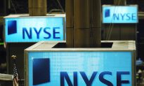 China's Largest Chipmaker to Delist From NYSE Amid Heightened US-China Trade Tensions