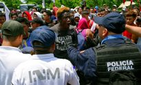 Mexico Meets Migrants at Southern Border With Armed Forces