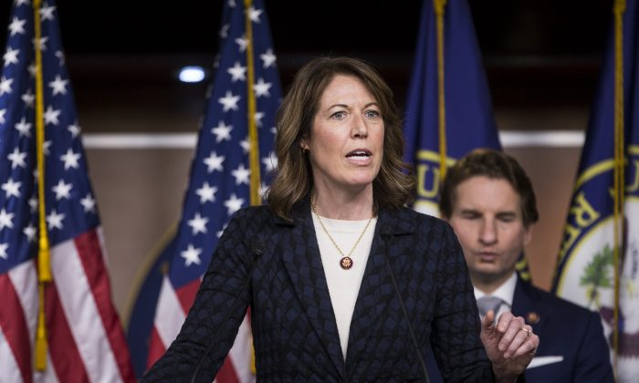 Rep. Cindy Axne (D-Iowa) in Washington on Jan. 29, 2019. (Zach Gibson/Getty Images)