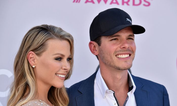 Amber Bartlett (L) and singer-songwriter Granger Smith attend the 52nd Academy Of Country Music Awards at Toshiba Plaza in Las Vegas on April 2, 2017.  (Frazer Harrison/Getty Images)