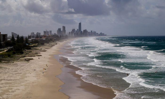 Wide shot of Gold Coast. (sandid/Pixabay)