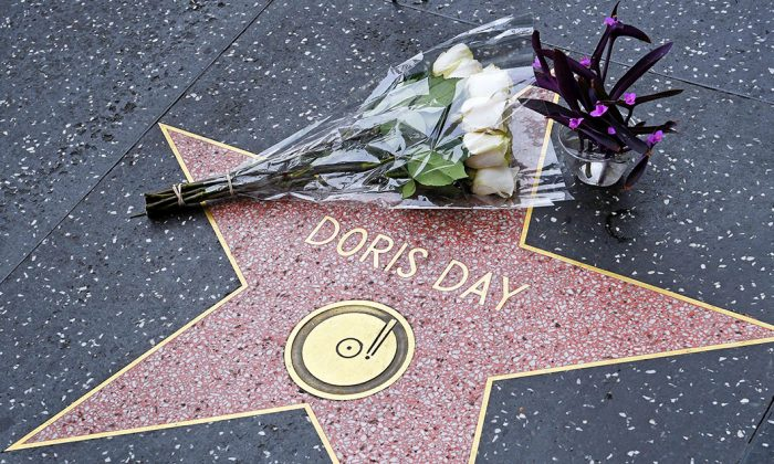 Flowers on the Hollywood Walk of Fame Star for Doris Day who died in Hollywood, Calif., on May 13, 2019. (Mark Ralston/AFP/Getty Images)