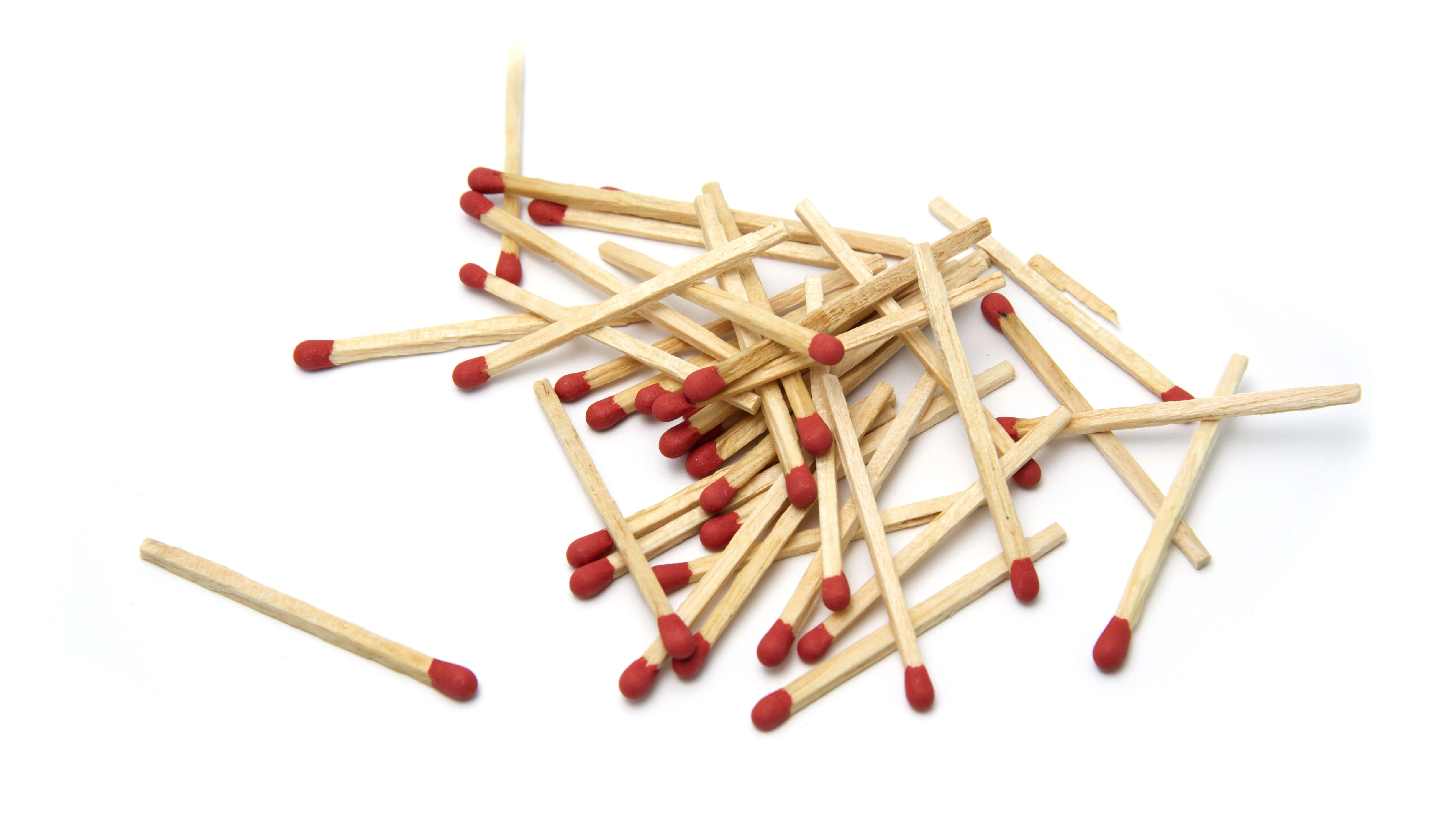 Mindbender: Can You Move 2 Matchsticks to Place the Coin Outside, but Keep Matches in the Same Shape?