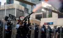 Hong Kong Journalists Association Issues Report on Police Abuse Against Reporters