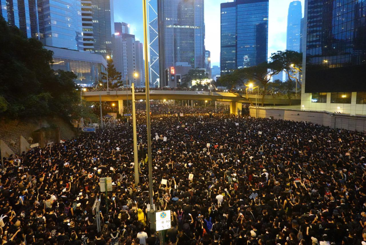 Chinese Regime Issues Blanket Media, Internet Censorship on Hong Kong Protests