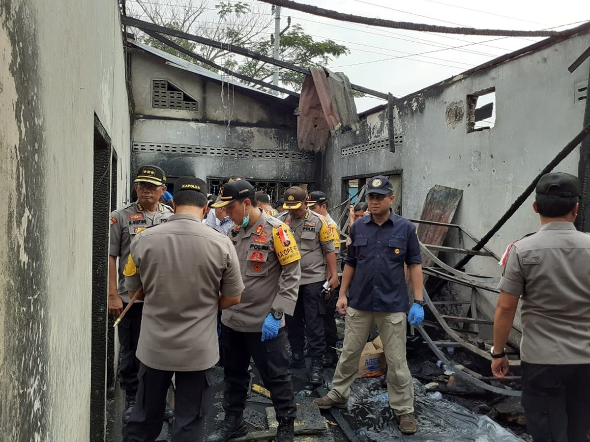 At Least 30 Dead in Fire at Indonesia Matchstick Factory