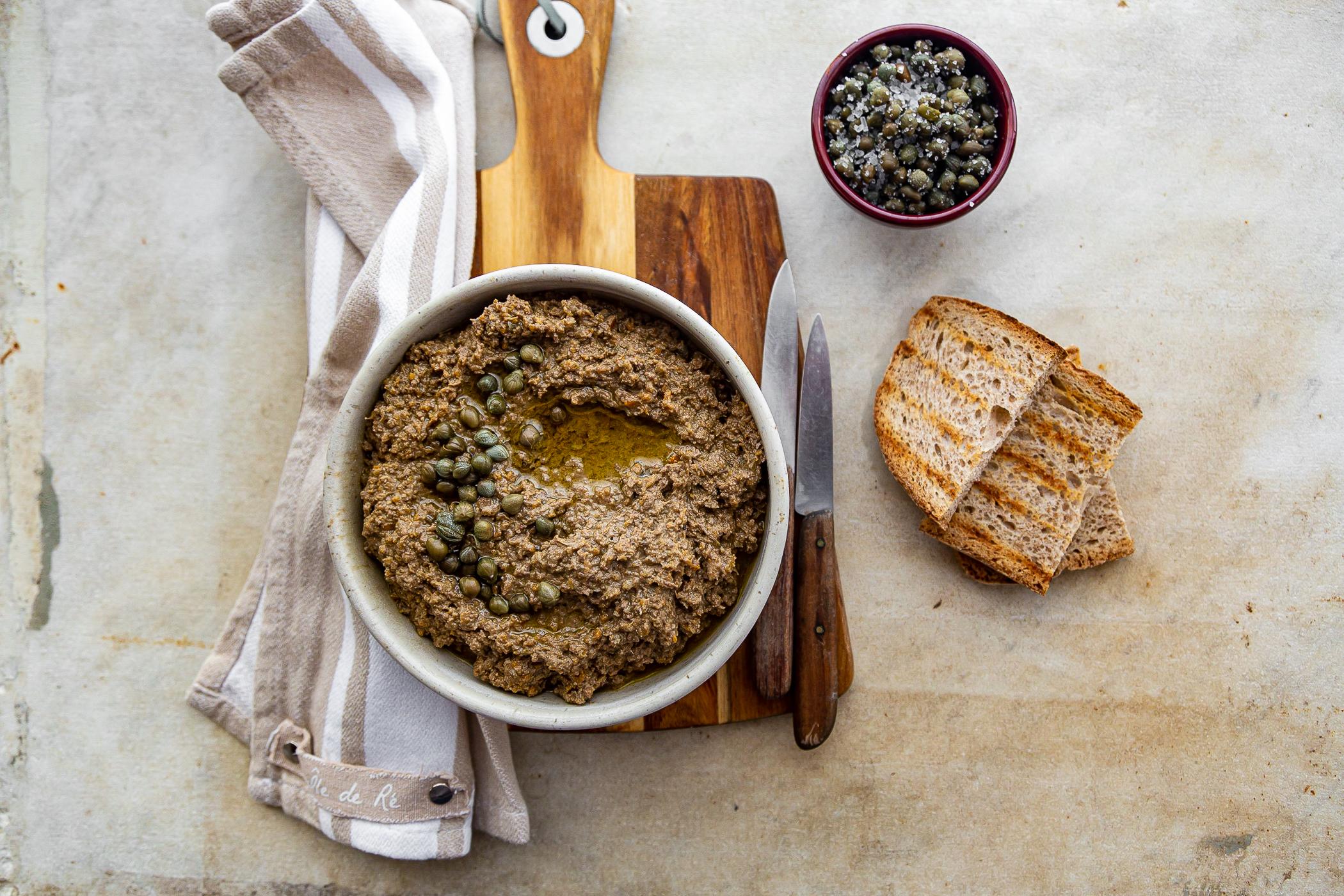 I Crostini Neri (Chicken Liver Spread for Crostini)