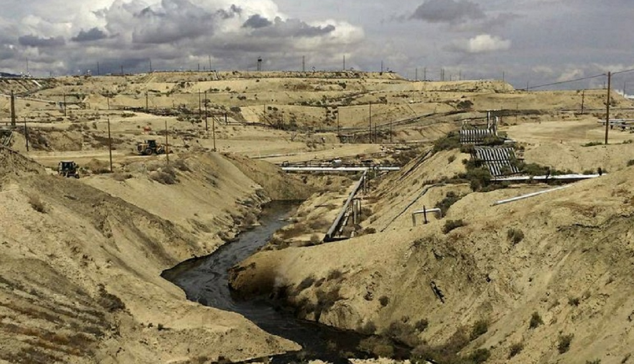 Chevron Spills 800,000 Gallons of Oil, Water in California