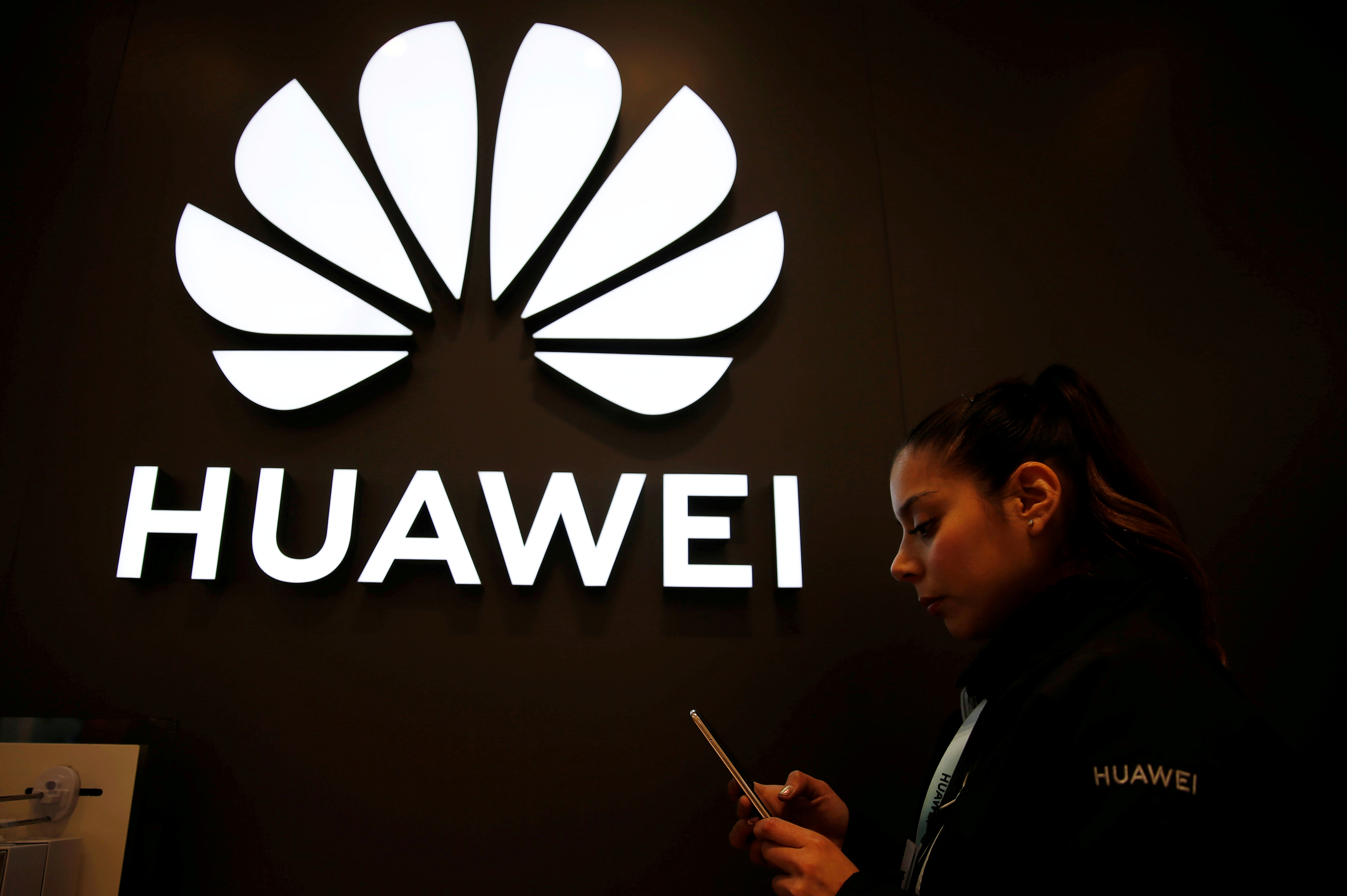 China Warns India of 'Reverse Sanctions' If Huawei Is Blocked, Sources Say