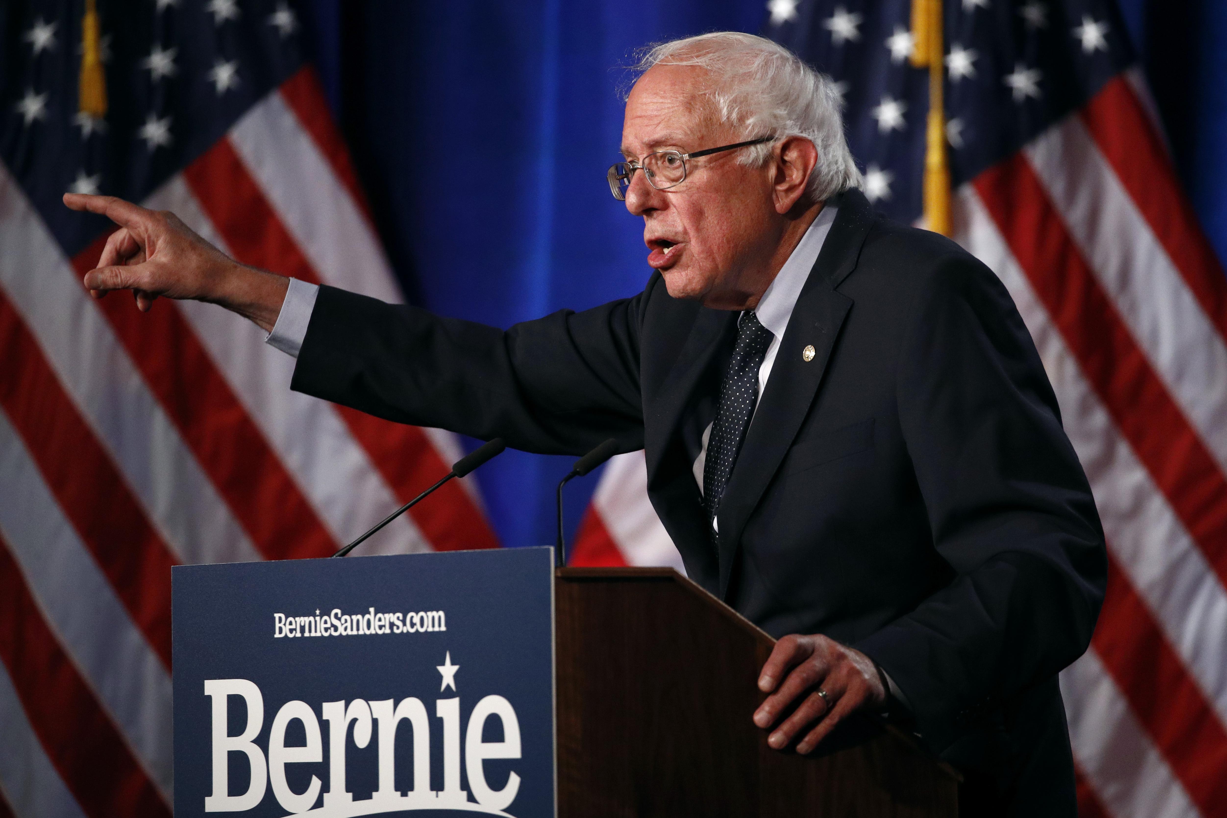 Mike Gravel's Campaign Calls It Quits, Endorses Bernie Sanders