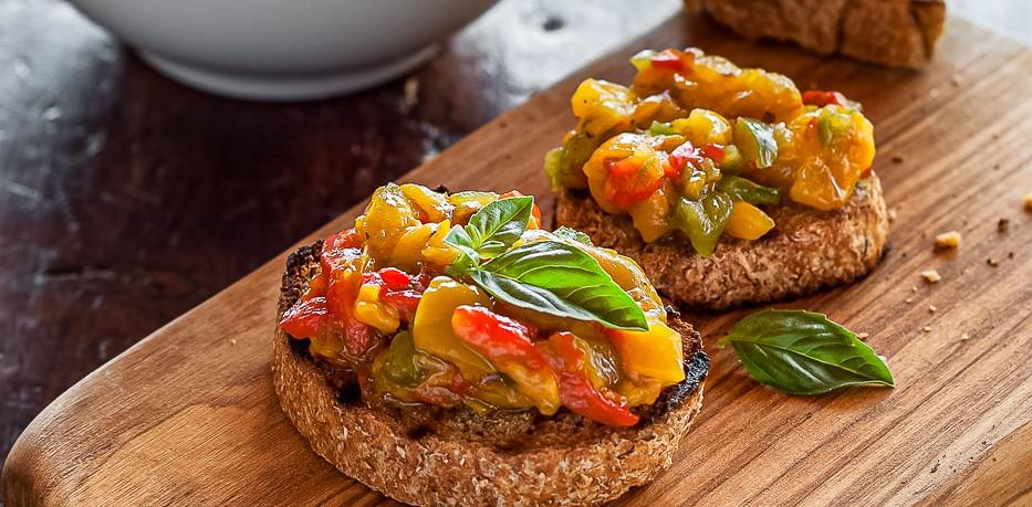 La Bruschetta ai Peperoni Arrostiti (Roasted Pepper Bruschetta)