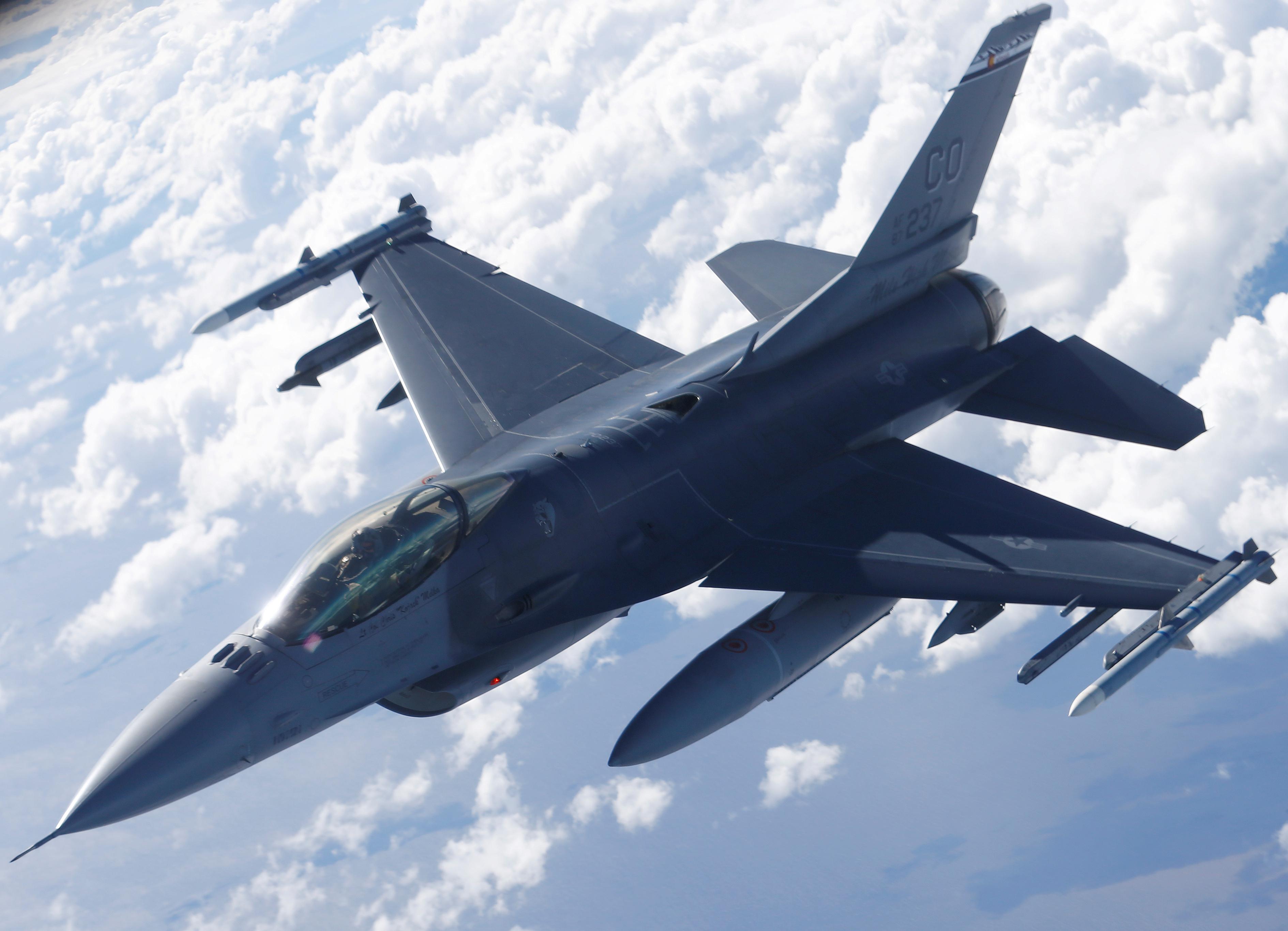 US Republican Senators Push for $8 Billion F-16 Fighter Jets Sale to Taiwan