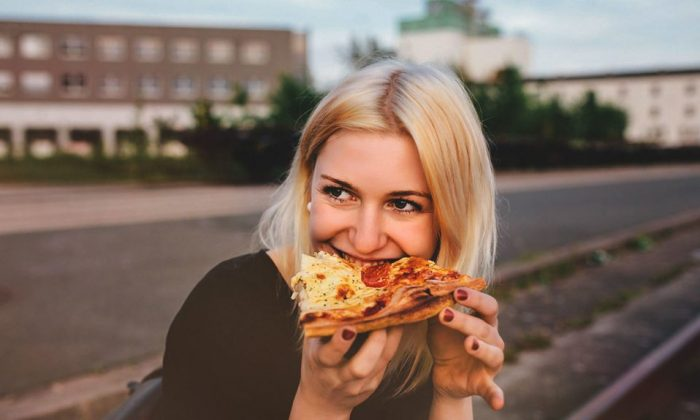 High-fat foods can be delicious but may foster troublesome gut bacteria, new research finds. (Getty Images)